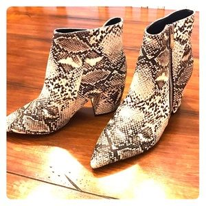 BRAND NEW NEVER WORN FAUX SNAKE PRINT BOOTIES